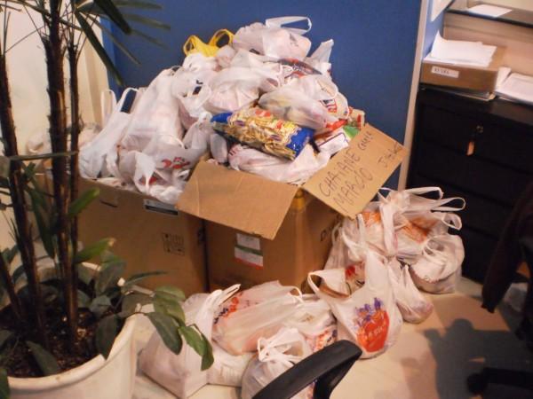 alimentos arrecadados no Tchelinux Porto Alegre 2011 - imagem: divulgação