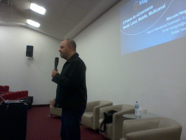 apresentação de Marcelo Negrini no Magento eCommerce Forum São Paulo