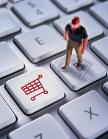 teclado e e-commerce - imagem: Jonathan Kitchen/Digital Vision